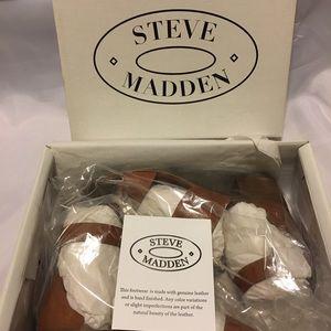 NIB. New in box Women's Steve Madden Daly Sandal
